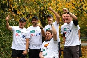 The-Youngcare-runners-cheering-in-Central-Park-at-their-final-stretch-session
