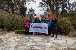 Youngcare-cradle-mountain-trekkers-with-Youngcare-flag